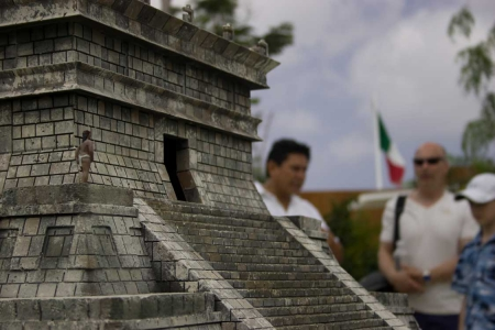 Discover Mexico Past & Present